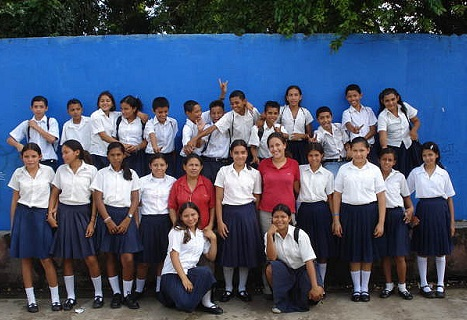 Katrina with her one of her classes in Nicaragua. (Photo courtesy of Katrina and The Peace Corps)